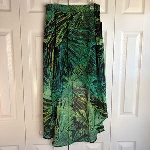 a.n.a Hi, Low Skirt, Green, Petite Medium, NWT